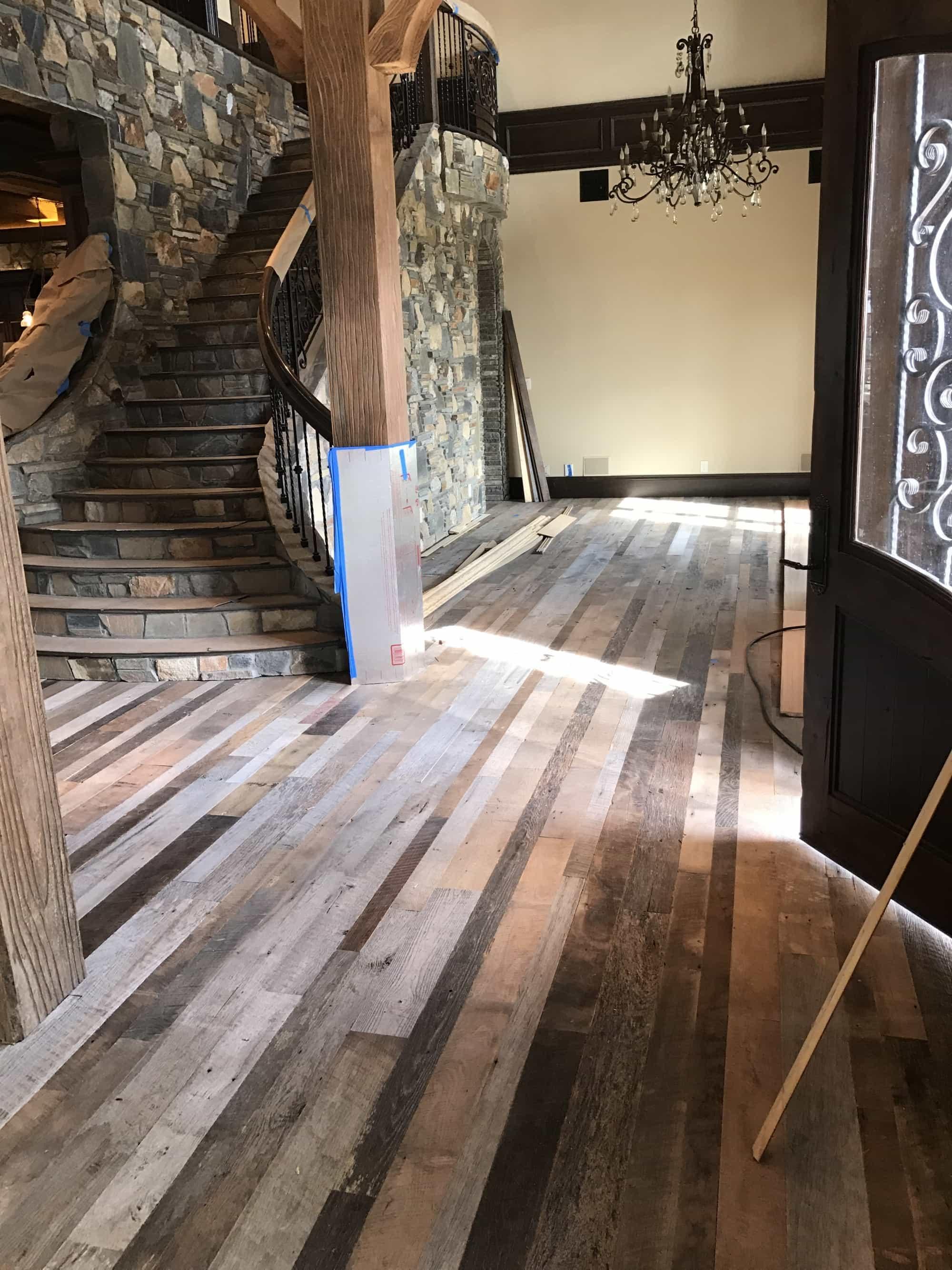 Vintage Whiskey Springs Oak Flooring 3″-6″- Unfinished